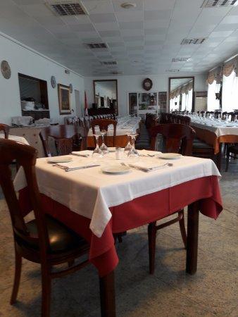 Medinaceli, Spanyol: Tranquilo , 1º piso del hotel , buen servicio y limpio .