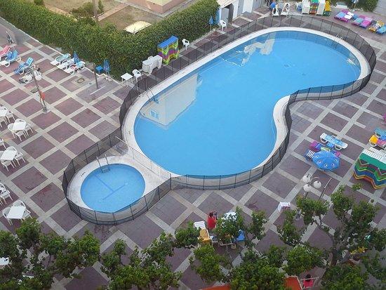 Une des piscines picture of medplaya hotel calypso for Piscine calypso