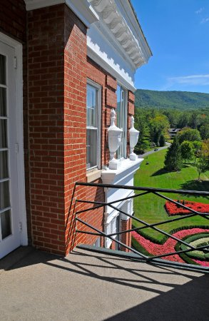 Hot Springs, VA: Terrace, Room 1805