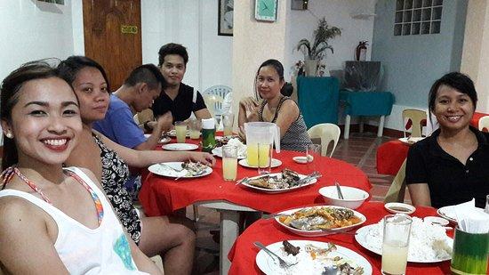 Island Jewel Inn: Last dinner with the staff
