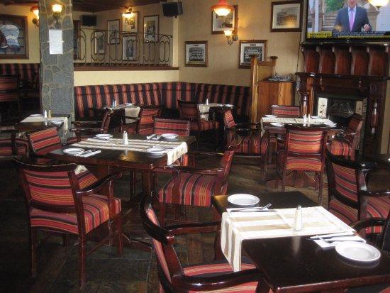 Virginia, Ireland: dining room