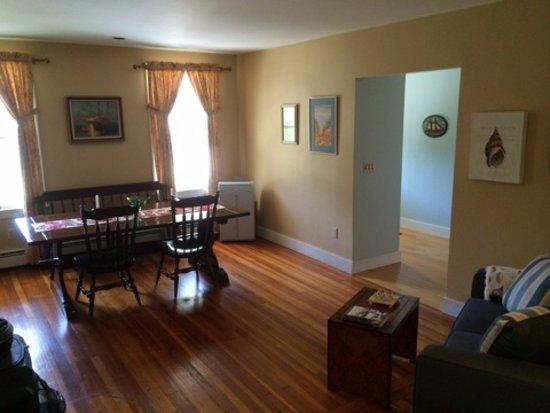 Marblehead, MA: 1st floor gathering area