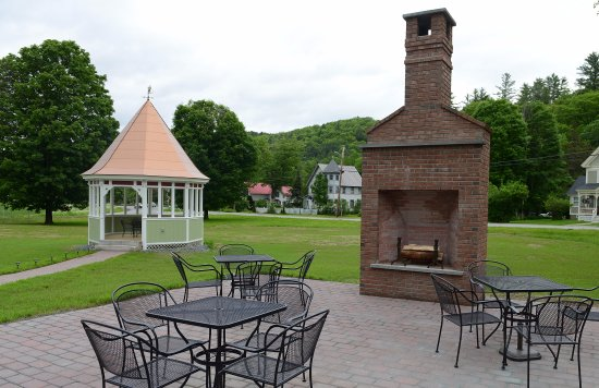 Bethel, VT: Outdoor patio and gazebo