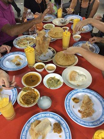 Food Tour Malaysia: Curry Tastings!