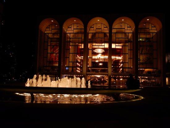 metropolitan opera house lincoln center projetado pelo arquiteto