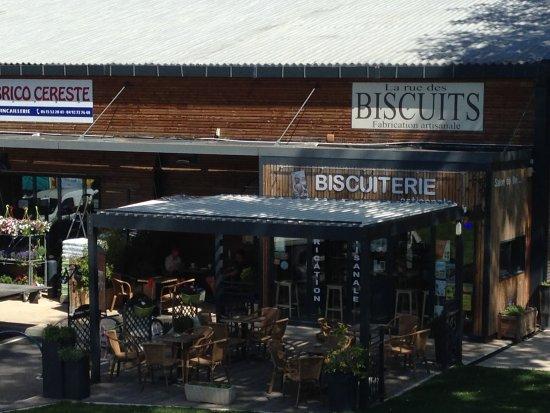Le Mas de La Baou : Coffee shop ten minutes walk from La Baou