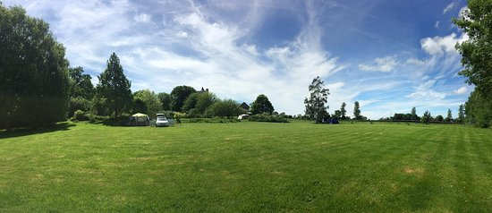 Isigny-sur-Mer, France: Pitch and Plenty of Space