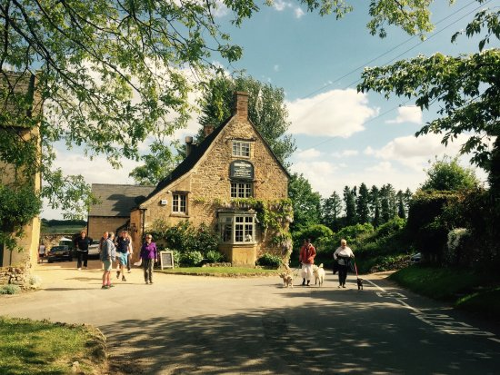 Ebrington, UK: Our 17th Century Cotswold inn is the perfect base for stunning walks