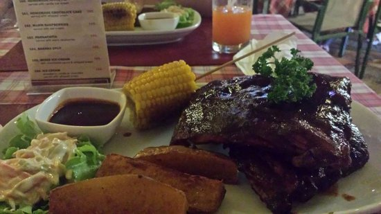 Karon Cafe Steakhouse & Thai Cuisine: это были шикарные ребрышки с соусом барбекю