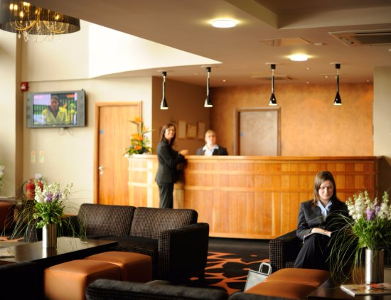 Aspect Hotel Kilkenny: Reception Desk