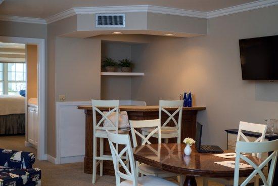 geneva inn 115 1 8 5 updated 2018 prices hotel. Black Bedroom Furniture Sets. Home Design Ideas