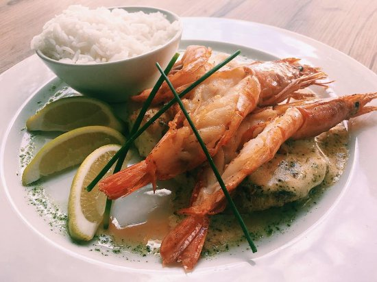 Steffanie's Place: The grilled Kingklip and Prawns with Lemon Butter sauce