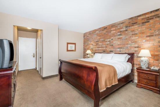 Howard Johnson Hotel Toronto Yorkville: Standard King Room