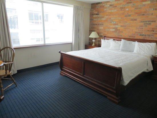 Howard Johnson Hotel Toronto Yorkville: Standard King