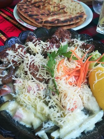 Dayana Restaurant 1 : Sesame chicken with bacon,cheese and vegetables