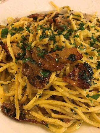 Santa Maria Maggiore, Italië: Spaghetti ai Funghi