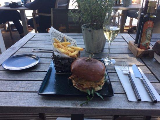 Jahreszeiten Terrasse auf der Binnenalster: Burger