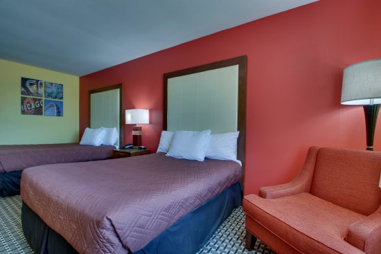 Heritage Grand Inn: Double room with 2 full size beds