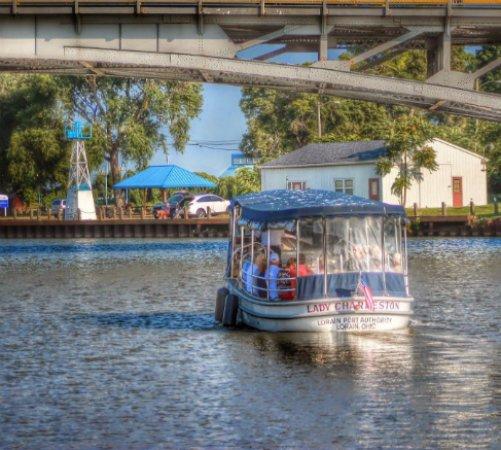 Lorain, OH: Shuttle Boat Tours