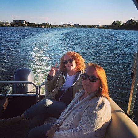 Westhampton Beach, NY: Cruising along the bay looking at the bayfront homes...
