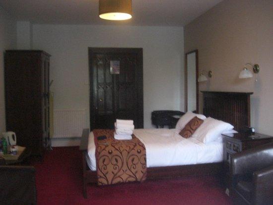 Lyons Woodlands Hall Hotel Photo
