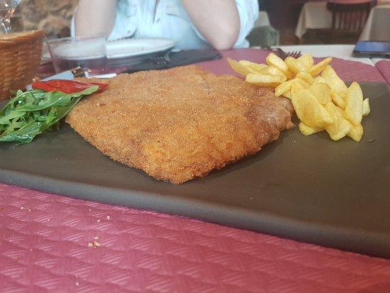 Sotres, España: Hotel Rural Restaurante Pena Castil