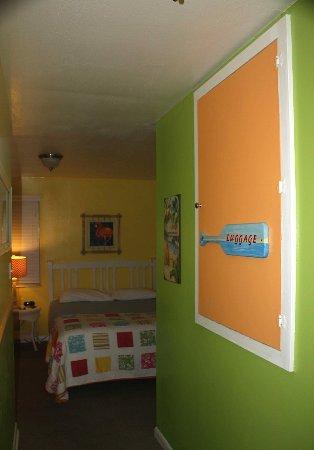Hideaway Sandy Beach Motel: 3