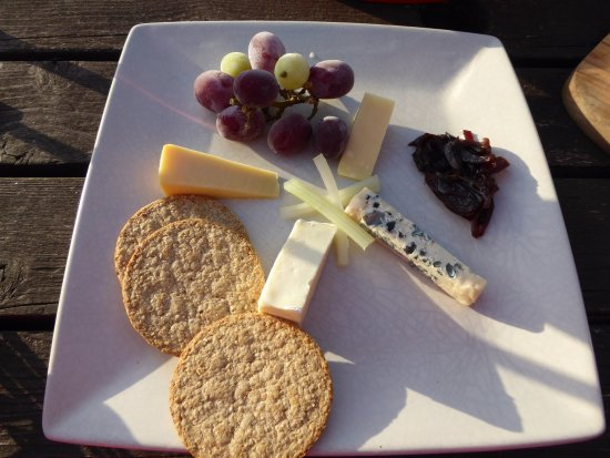 Rowardennan, UK: The Scottish cheeseboard, £8.95