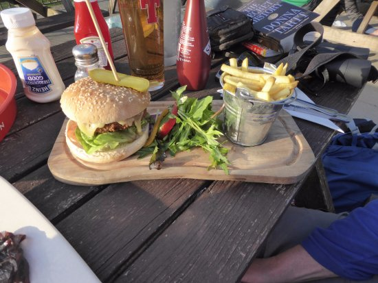 The Rowardennan Hotel Restaurant: This burger cost less than the cheeseboard! I think it was £7.95