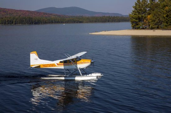 Rangeley, ME: Private Seaplane trip to the beach