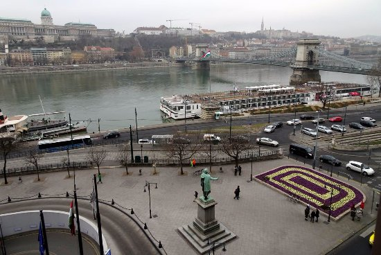 Sofitel Budapest Chain Bridge : View from Deluxe room with river view #514