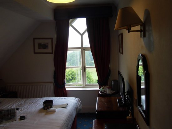 Craig Manor Hotel Photo