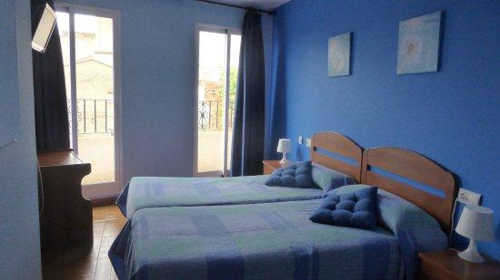 Bunol, Ισπανία: Chambre spacieuse et confortable récemment refaite