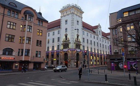 Radisson Blu Plaza Hotel, Helsinki: Street view