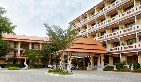Плуак-Денг, Таиланд: 2  Building