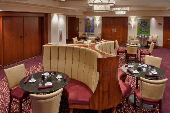 Westbury, État de New York : Marco Polo's restaurant dining area