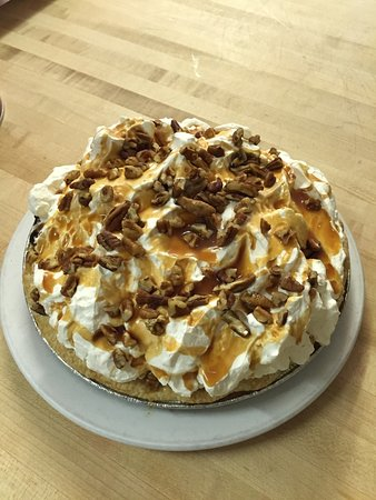 Macon, MO: Betty's Homemade Turtle Pie
