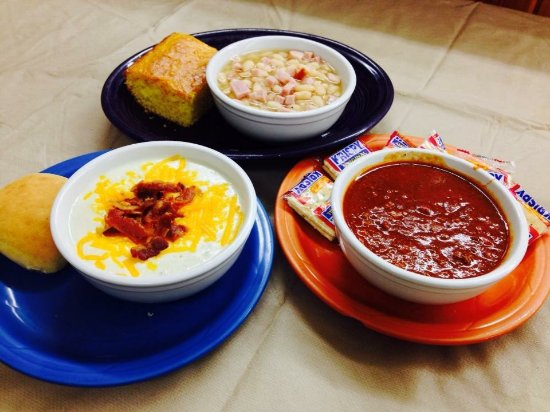 Macon, MO: homemade soups and chili made fresh daily