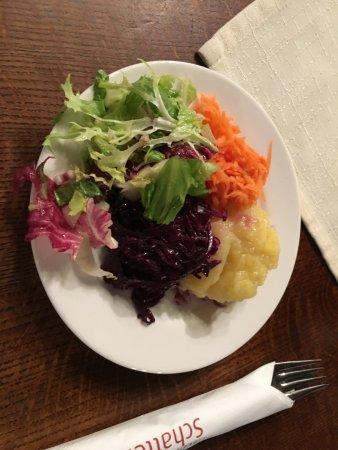 Schlosswirtschaft Schattenburg: insalata d'accompagnamento