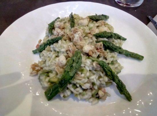 Леньяго, Италия: Risotto asparagi e canestrelli! Da provare assolutamente!