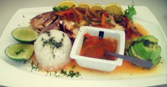 Divanga Bar Restaurant: Pescado estilo Taganga.