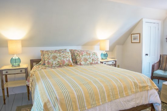 West Barnstable, MA: Morning Glory Room