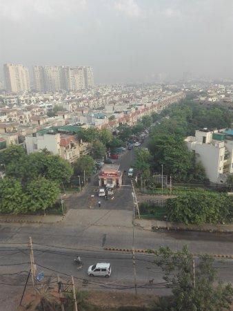 Hilton Garden Inn Gurgaon Baani Square India: IMG_20170524_063528_large.jpg
