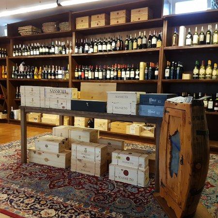 Renato Pedrinelli Enoteca Wine-shop