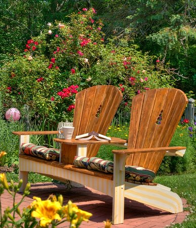 West Barnstable, MA: Take a seat in the garden!