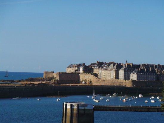 belle promenade - Picture of La Cite d'Aleth, Saint-Malo - Tripadvisor