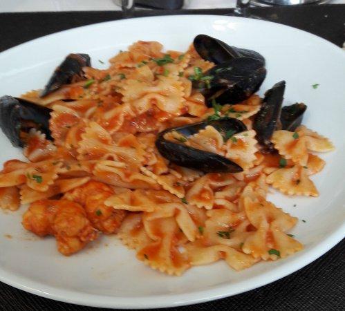 Seveso, Italy: Menù di lavoro: farfalle ai frutti di mare