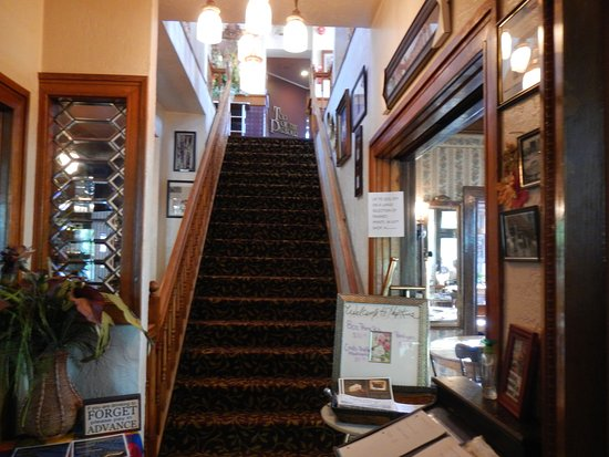 Hopkins Dining Parlour: An Open Stairway Brings In Lots Of Light