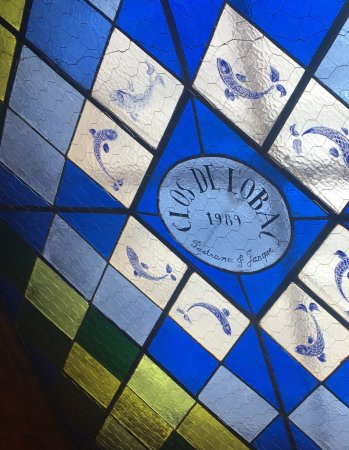 Gratallops, Spanien: Beautiful stained glass at the winery