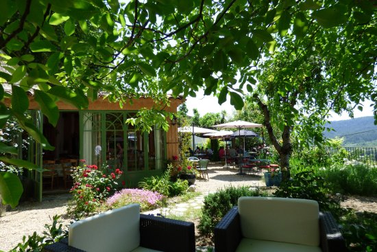Pancarte du restaurant avec menus du jour foto van for Resto avec jardin